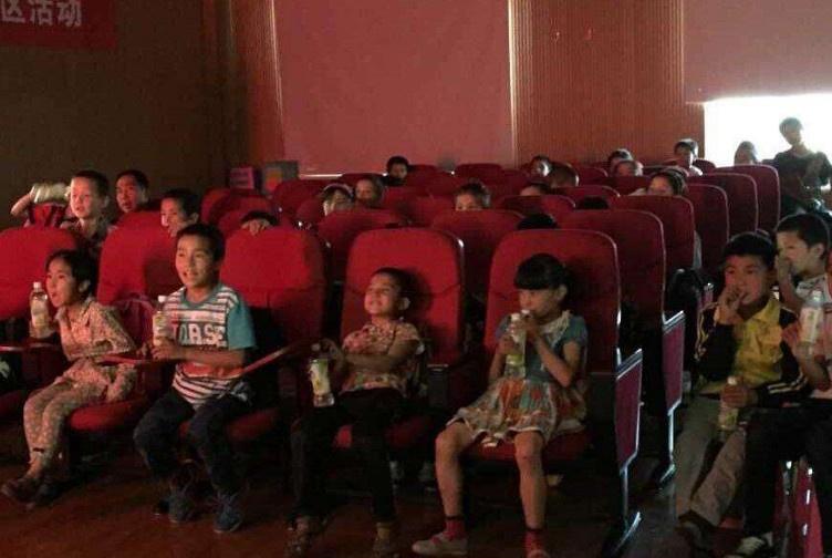 嫌孩子课堂吵闹,老师让所有学生自打58个耳光