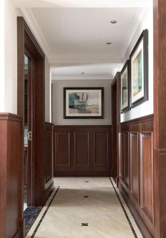 在房屋装修中墙裙设计是墙面装修中比较常见处理方式墙裙是较美式的