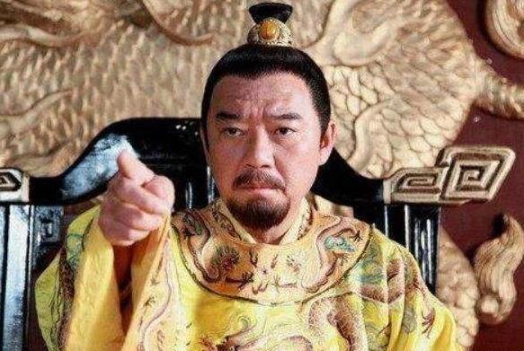 兵痞强抢民女,朱元璋大怒,却将县令到尚书的官员全斩了