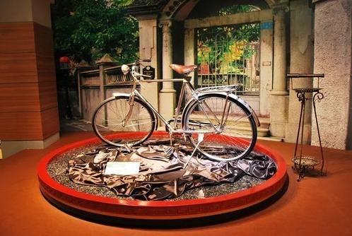 花1000块买辆自行车,买家出10万没卖,后来用劳斯莱斯也没换走
