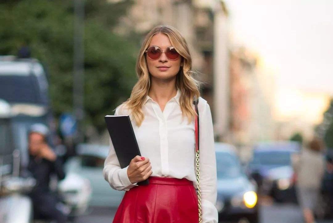 穿搭丨三月新上一女装,叫迷笛裙,遮肉显身材,40岁穿也合适