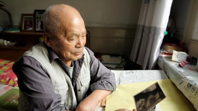 郑州一老人开了30多年火车,至今仍未坐过高铁,他却称不遗憾