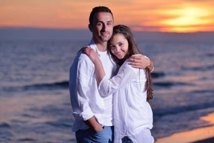 一个已婚女人的忠告:你爱上一个有家的男人,学会给自己留条后路