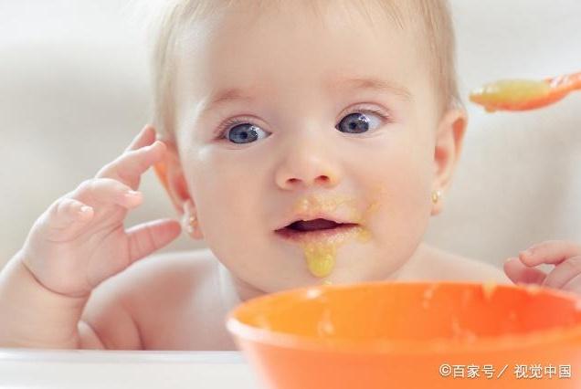 5个月以上新生儿,有这几个表现就要留心,不是正常现象别忽视