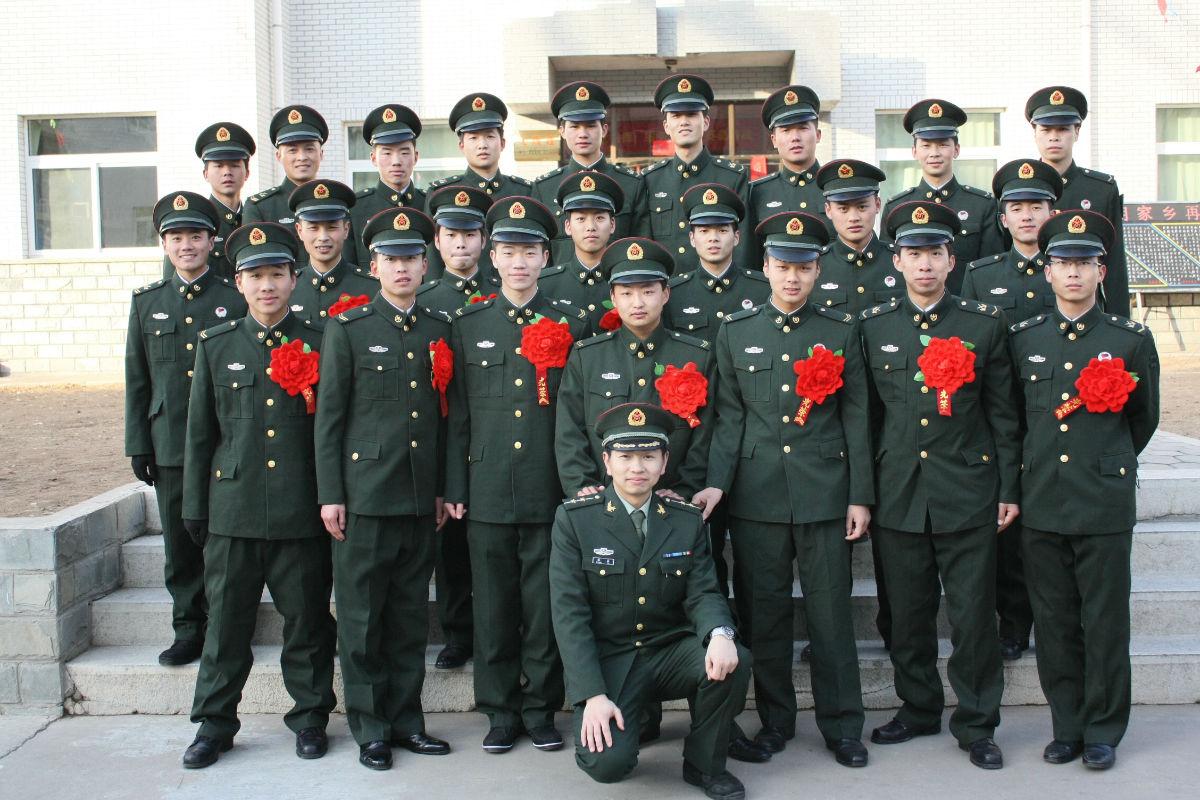 部队考军校的书籍武警_大学生去当兵,在部队能不能考军校,福利待遇怎么样