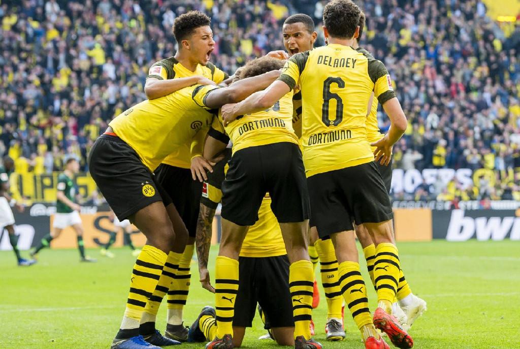 争冠激烈!一场2-0让德甲榜首再易主,德甲第一人诞生