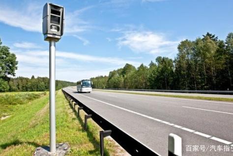 """高速上的""""区间测速""""原理很简单,大多数司机却因为不懂才被扣分"""