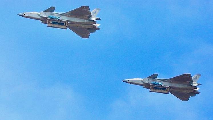 """美国人:忘了歼-20和歼-31吧!中国正在赋予""""老战机""""新的能力"""