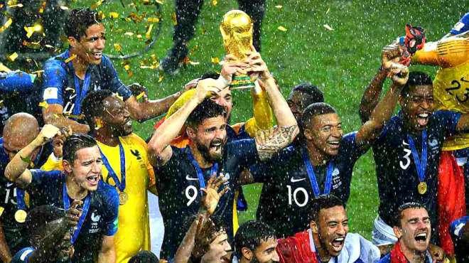 世界杯法国夺冠现场欢腾,其国内更成了欢乐的海洋羡慕他们的球迷