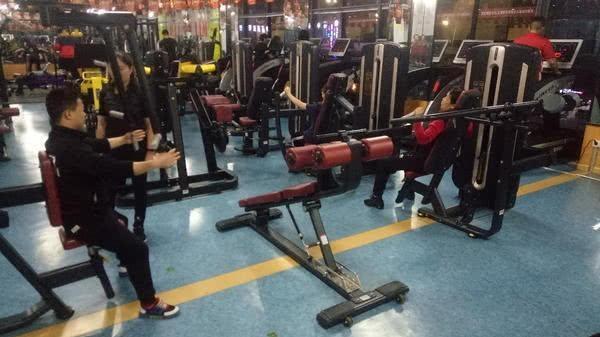 """郑州健身教练揭秘""""健身房""""圈钱套路,明白这些才能不中招"""