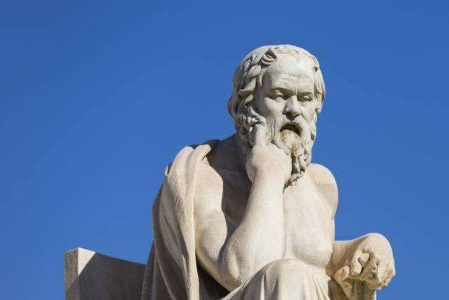 苏格拉底是当时雅典最聪明的人吗?他问了很多人,得出了答案