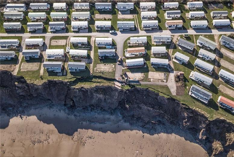 """全球最""""危险""""的村庄:随时会被大海吞噬,当地人却表示不想离开"""