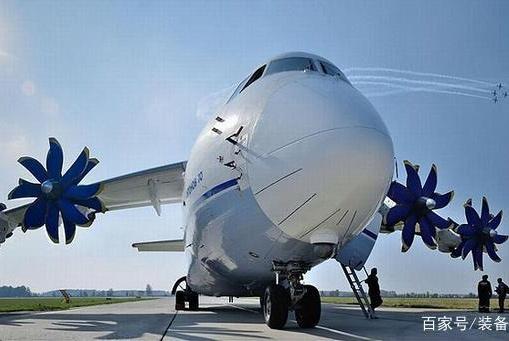 孤立失败!俄罗斯之后又一大国救援物资到位!美大量战机部署边境