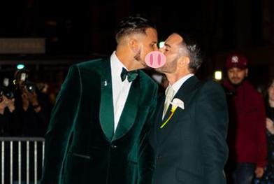贵圈真会玩!同性举行世界最盛大的婚礼,Vogue总监亲临现场