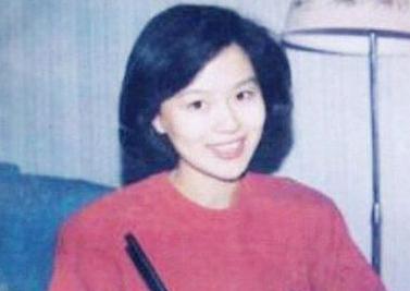 过去了30多年,鞠萍都已经53岁了,但在孩子心中她的地位依旧没变