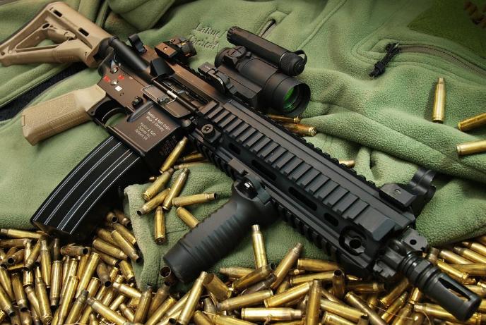 HK416突击步枪,只对M4做了两点改进,就解决了卡壳问题