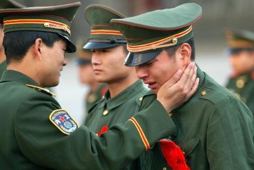 军人退伍时能带走4样东西,最后一件最重要,却是士兵都不想要的