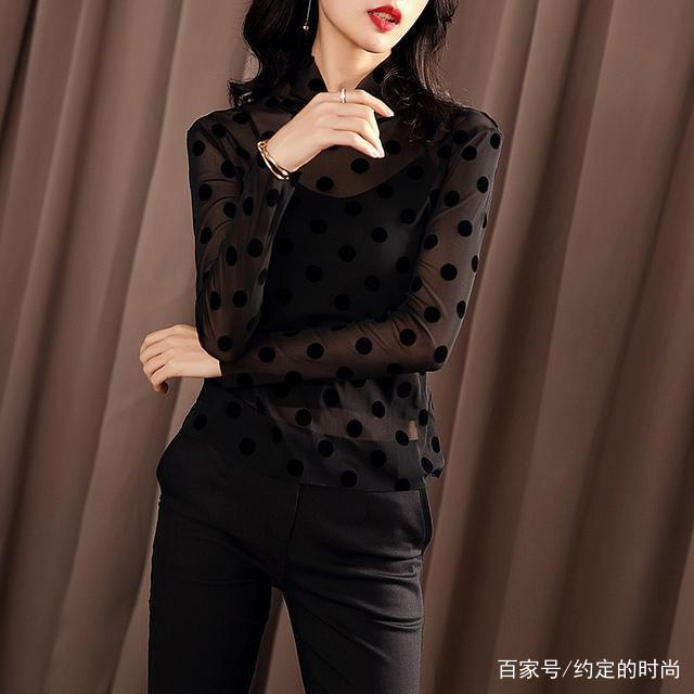 女人小衫_春节走访才发现:现在女人都爱穿这几款小衫 短靴,简直