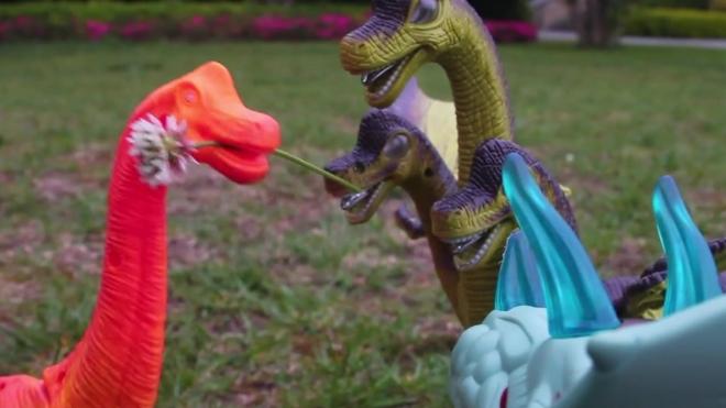 恐龙宝贝交到新朋友了