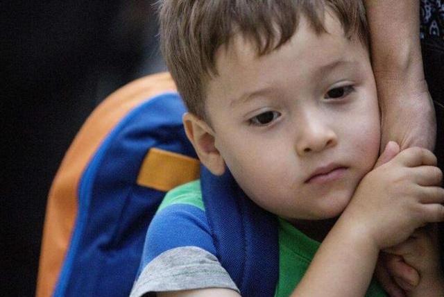 男孩比女孩晚上半年幼儿园?男孩在公共场合的三个弱势,需要锻炼