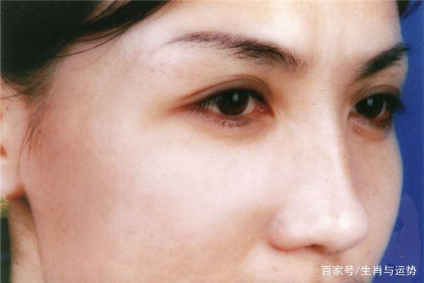 额头眉间有皱纹的面相怎么样?