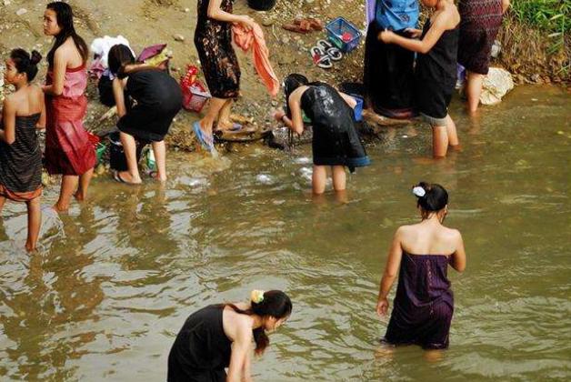 亚洲最懒惰的国家,节日比工作日还多,一年四季大吃大喝过日子