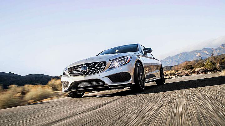 豪华性能轿跑又一王牌 搭3.0T引擎 还配备四驱