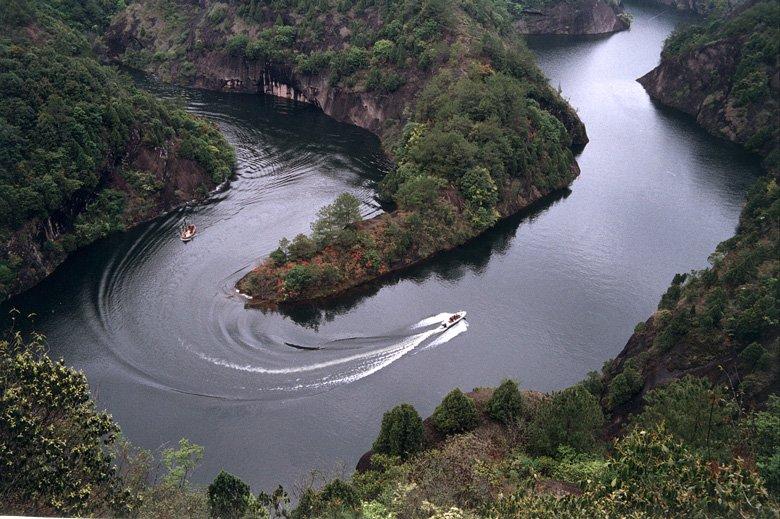 关键词:空气非常好 景色很美 规模宏伟 #5 龙岩九龙湖风景区 开放