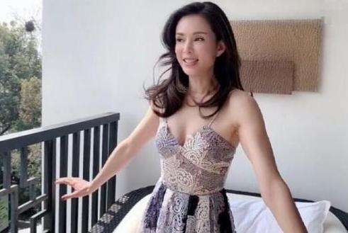 李若彤晒出近照,被称走性感路线,她的回复太机智:众多造型之一