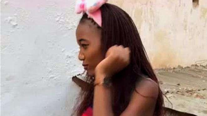 非洲美女琪琪来演示下非洲蹦迪,网友:非洲女孩就是好看!