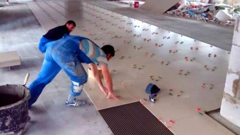 这才是正确的铺地板砖方法,估计国内没几个人见过!