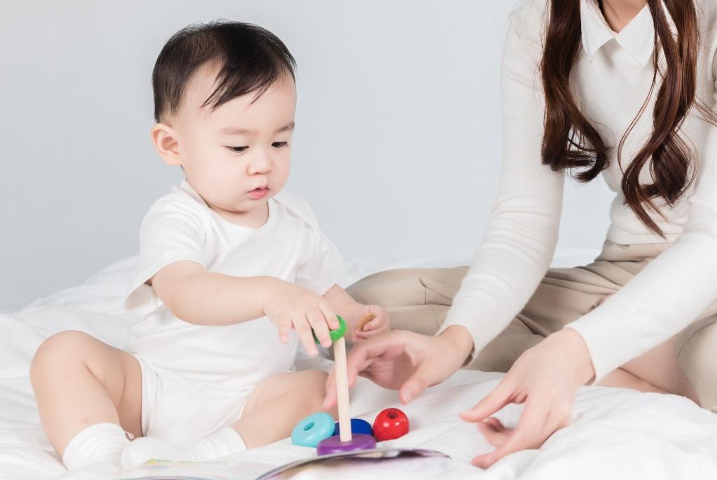 孩子的腿不直,可能与家长的这些行为有关