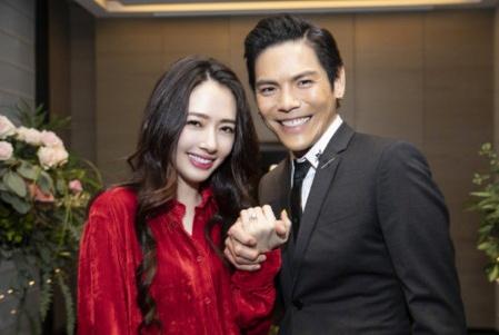 郭碧婷被求婚成功踏入豪门,昔日冯绍峰不懂珍惜如今被宠成公主!