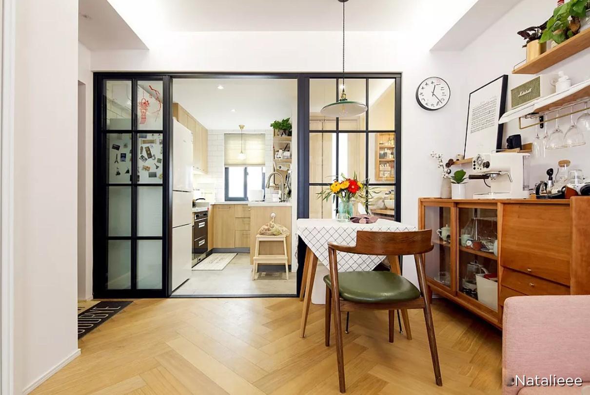 这套单身公寓太漂亮了,电视墙只有巴掌大,忍不住给大家晒晒!