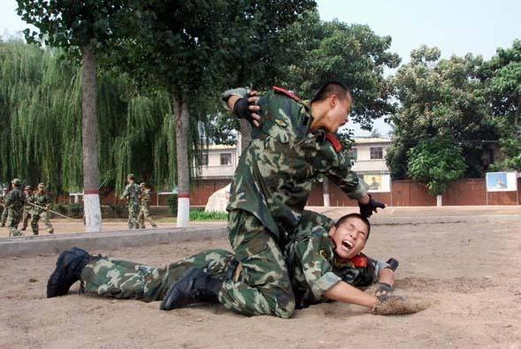 新兵如果在部队里打架,会不会赶回家?后果比被教训一顿还惨!