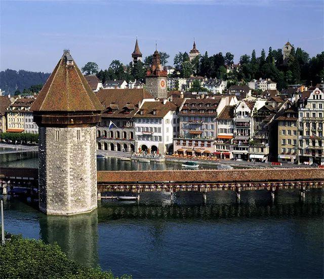 在瑞士,如果不滑雪就去看马术比赛吧