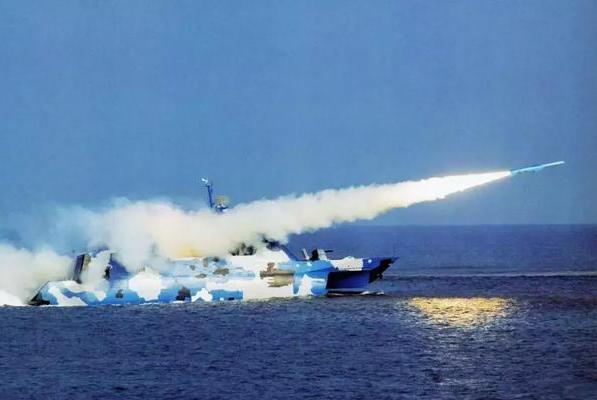 解放军还有外形这么科幻的军舰?可惜只是为应急而仓促生产的