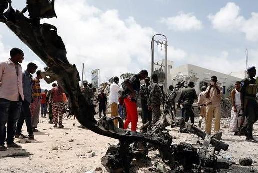 塔利班武装再度出手,险些打死本国副总统,向美国发出强硬信号