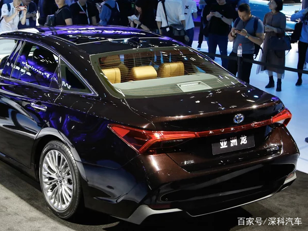 丰田亚洲龙双擎,2019款 2.5l hybird 基本型图片