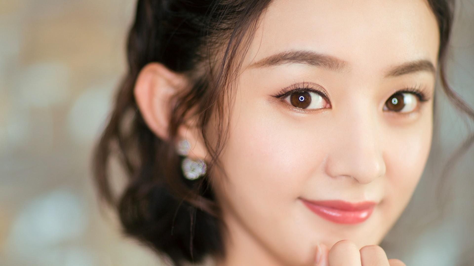 赵丽颖:美丽善良的女子,天真活泼可爱的人