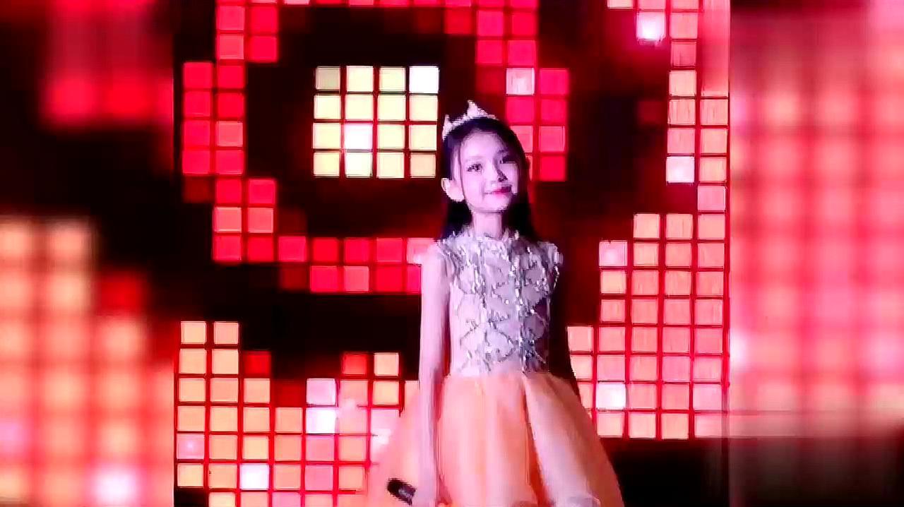 10岁小女孩一首《狂浪》火爆全网,被天使吻过的嗓音太好听了!