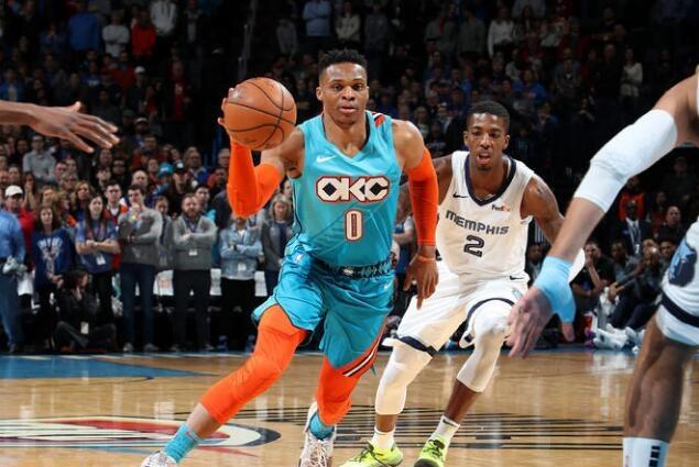 还剩7场比赛,威少再拿4篮板44助攻便可达成连续3个赛季场均三双
