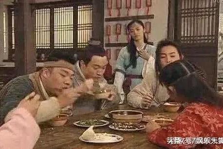 同样是电视剧中吃饭《武林外传》是现做的,网友:这也太幸福了