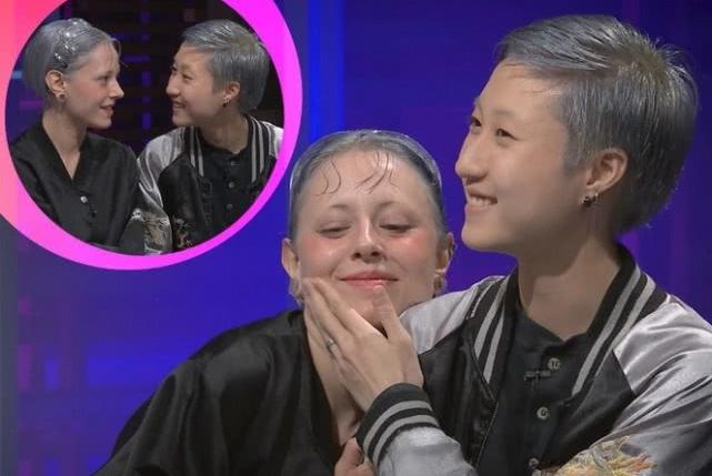 吴卓林带妻子上电视节目,手捧妻子脸蛋秀恩爱