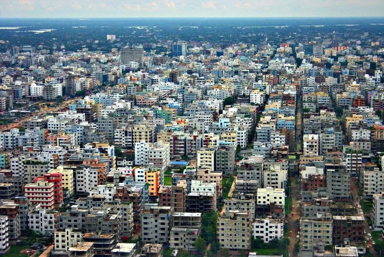 世界最拥挤的首都,每平方公里住着4万居民,交通系统一塌糊涂