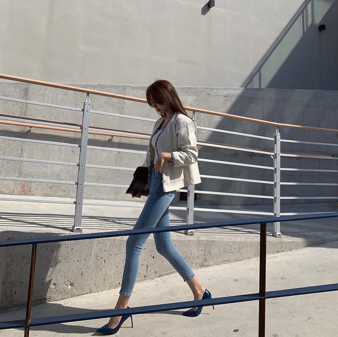 装革履_职业装除了西装革履,牛仔裤一样有魅力