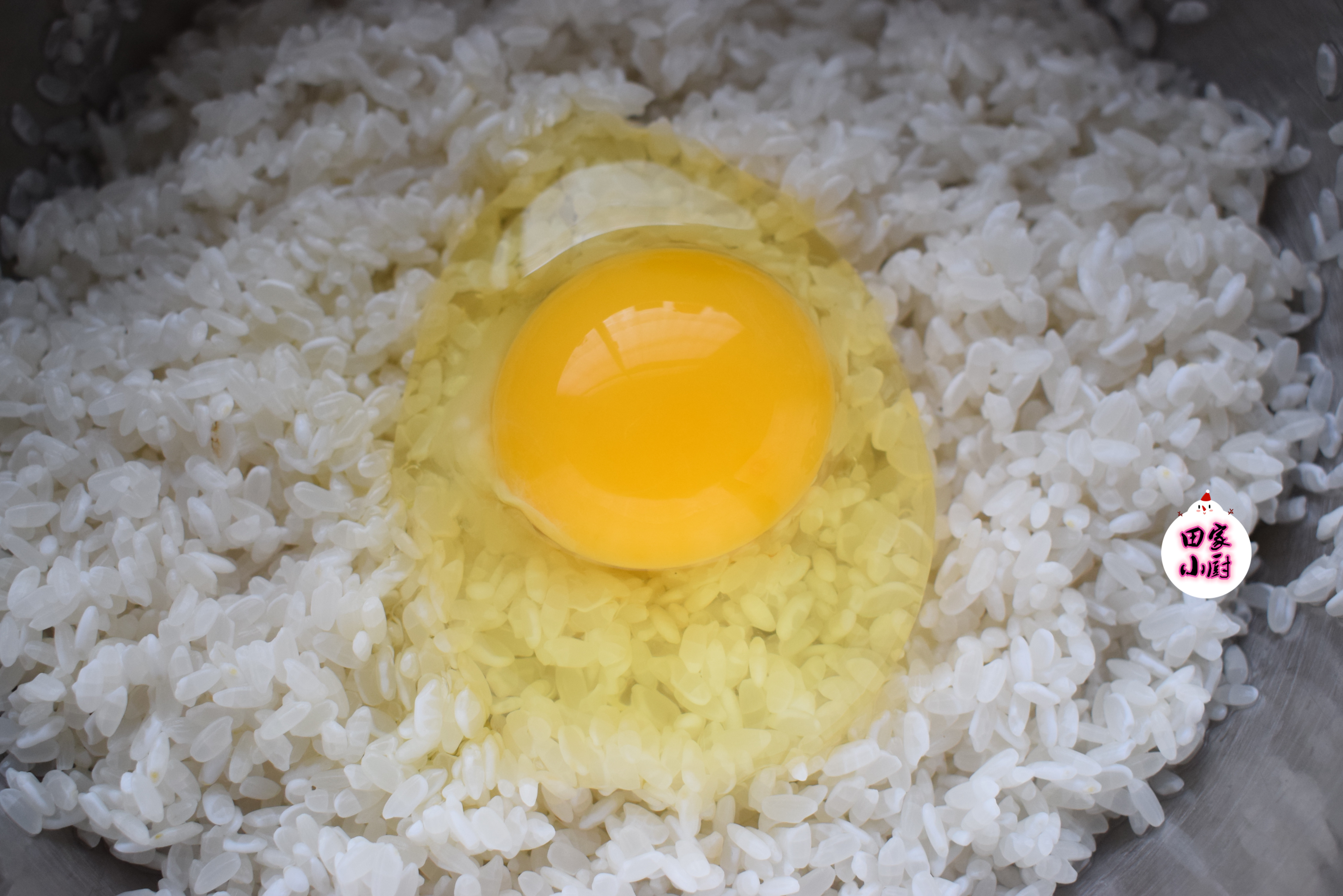 大米别光只会煮饭吃了,加一个鸡蛋,简单一做,5斤大米不够吃!