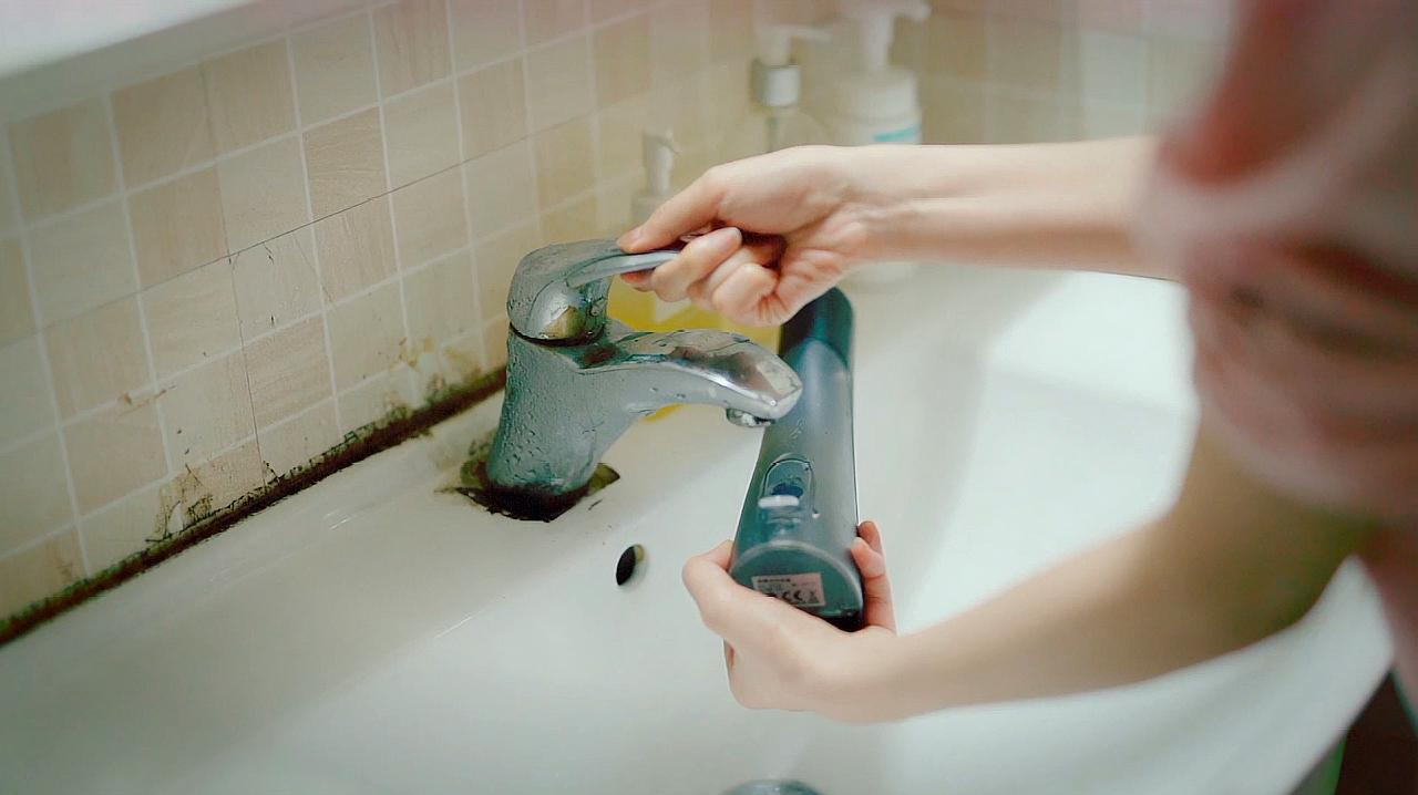 X-WAVES小蛮腰冲牙器防水展示
