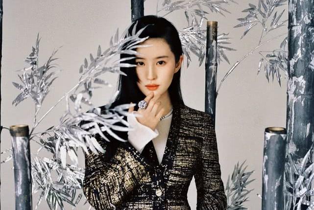 刘亦菲演绎中国风体现侠女风韵 气质脱俗坚韧柔美并存