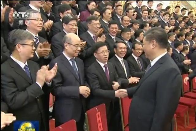 习近平会见嫦娥四号参研参试人员代表